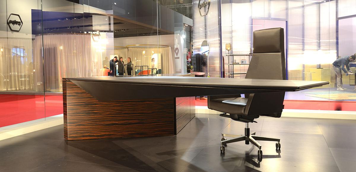High end contemporary Italian desk Euclideo by i4Mariani